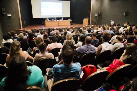 A Associação Cidade Escola Aprendiz, por meio do Projeto Aluno Presente, realizou o Seminário Internacional Aluno Presente, que aconteceru no dia 22 de novembro no Rio de Janeiro, das 8h30 às 17h00, no auditório da Fundação Casa de Rui Barbosa.